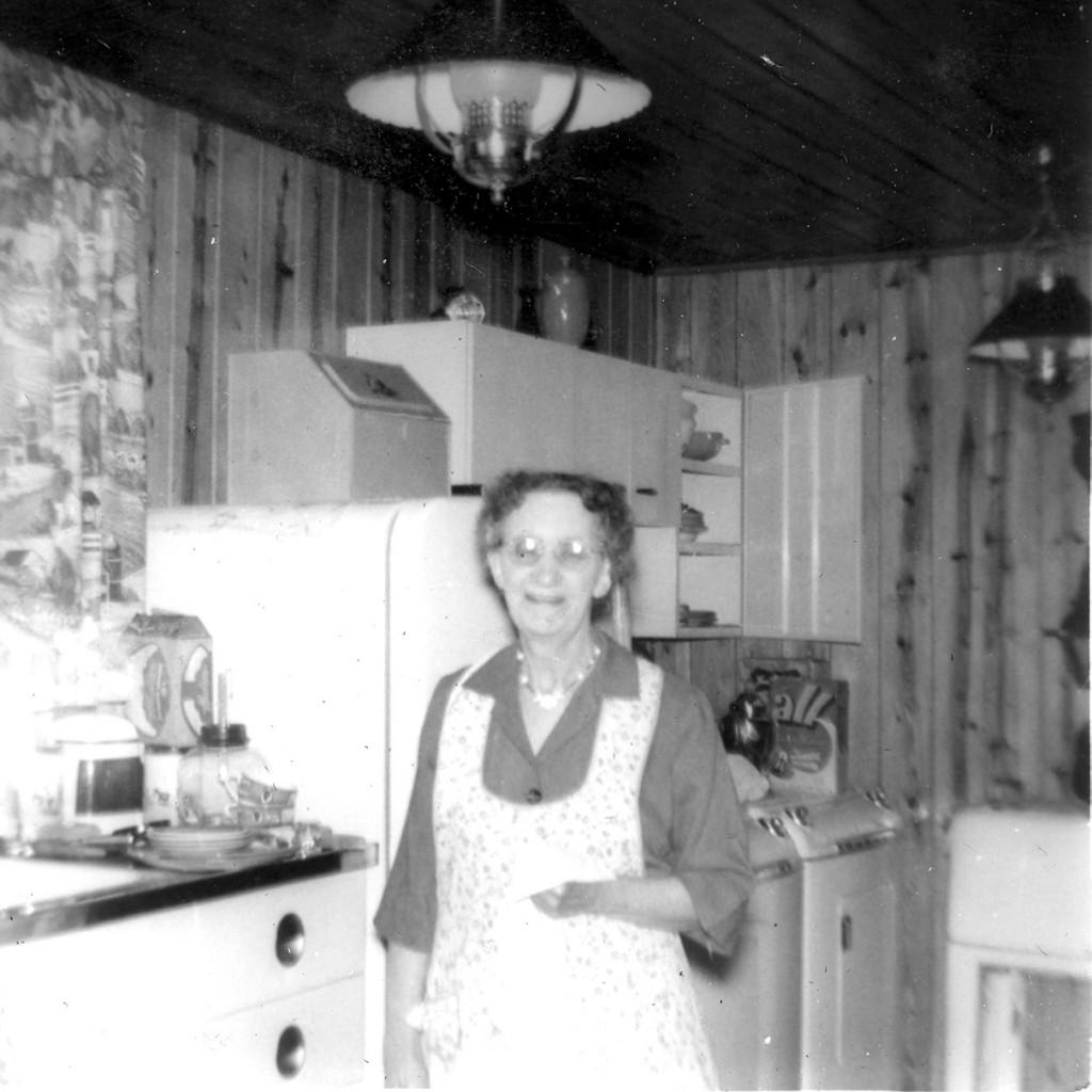 1952 GRANDMA WOLFF