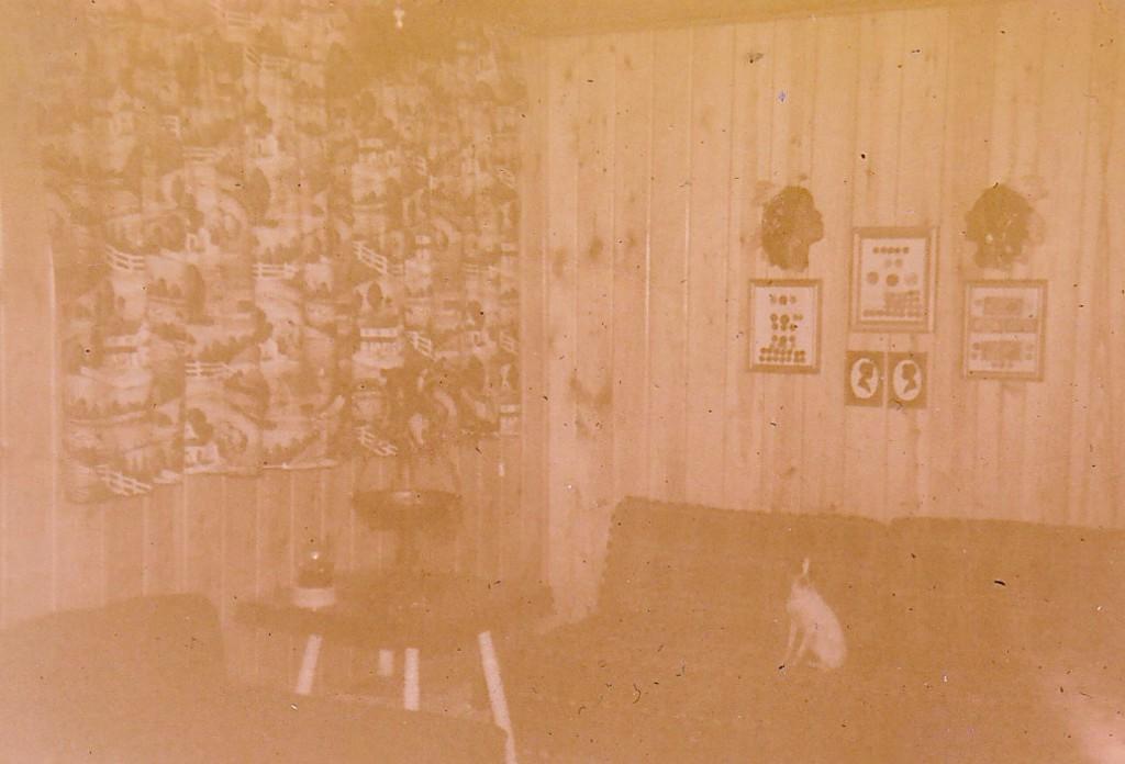 1952 LIVING ROOM