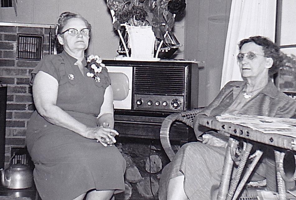 1955 GRANDMA BARRETT & GRANDMA WOLFF