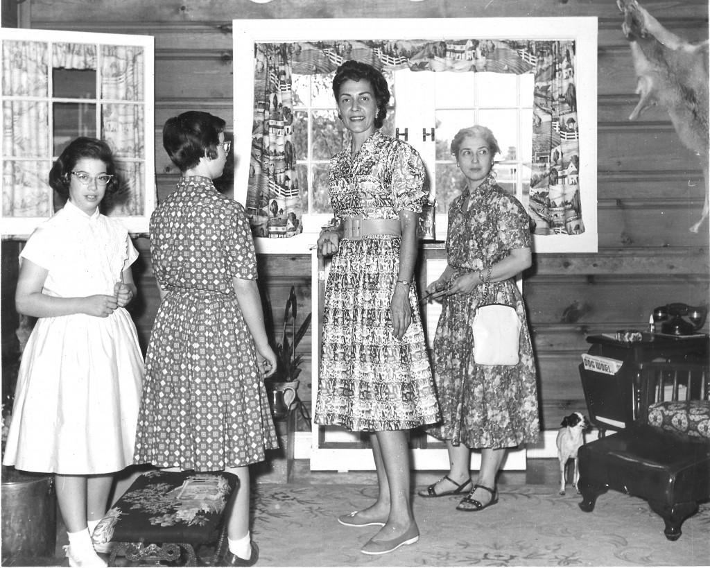 1959 THE DEN