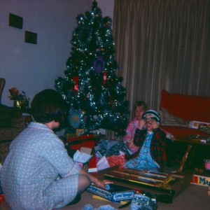 1070 CHRISTMAS TREE